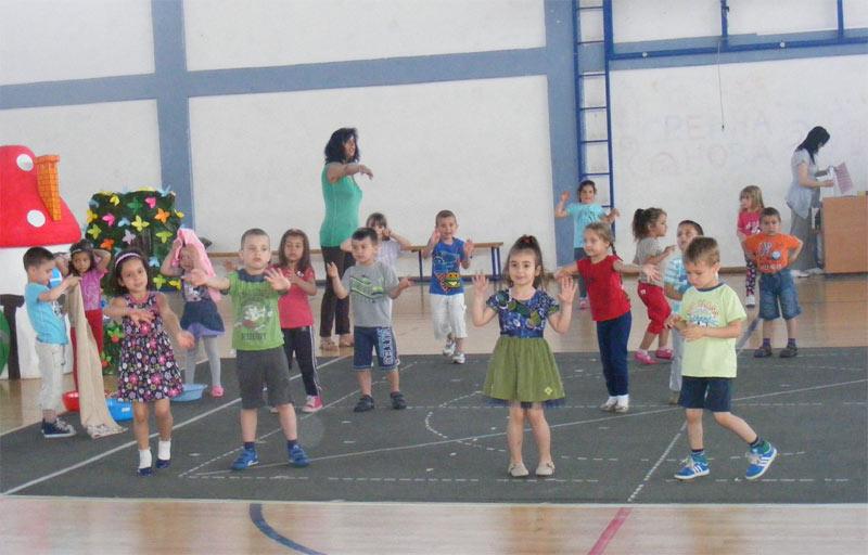 Karneval dece u Kuršumliji